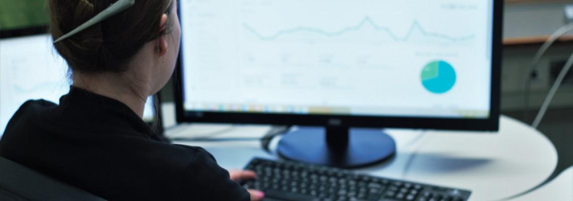 Kävijänseurantaohjelmaksi sopii esimerkiksi Google Analytics