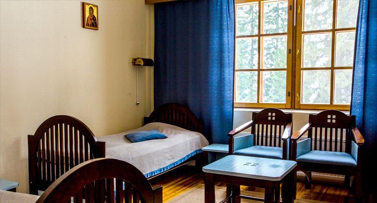 Luostarihotellin huone